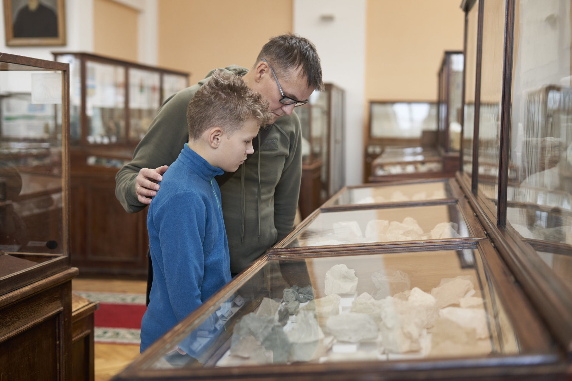 A teenager boy examines exhibits at the Museum of Natural Histor
